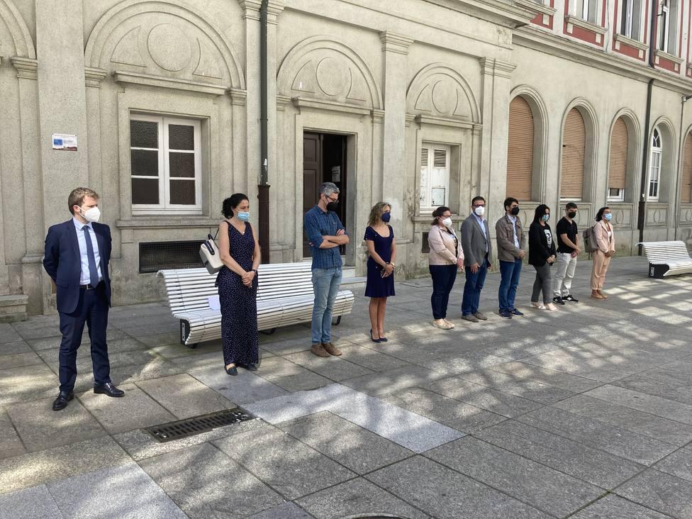 Minuto de silencia de la corporación ferrolana. FOTO: concello de Ferrol