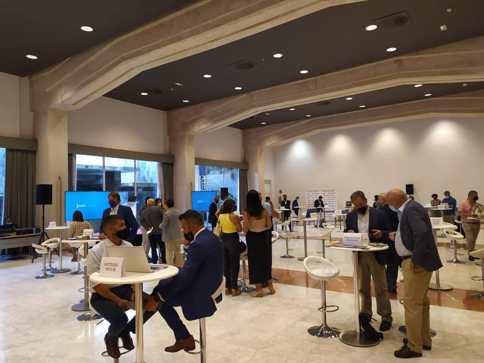 Medio centenar de empresas han participado en reuniones celebradas en Sevilla