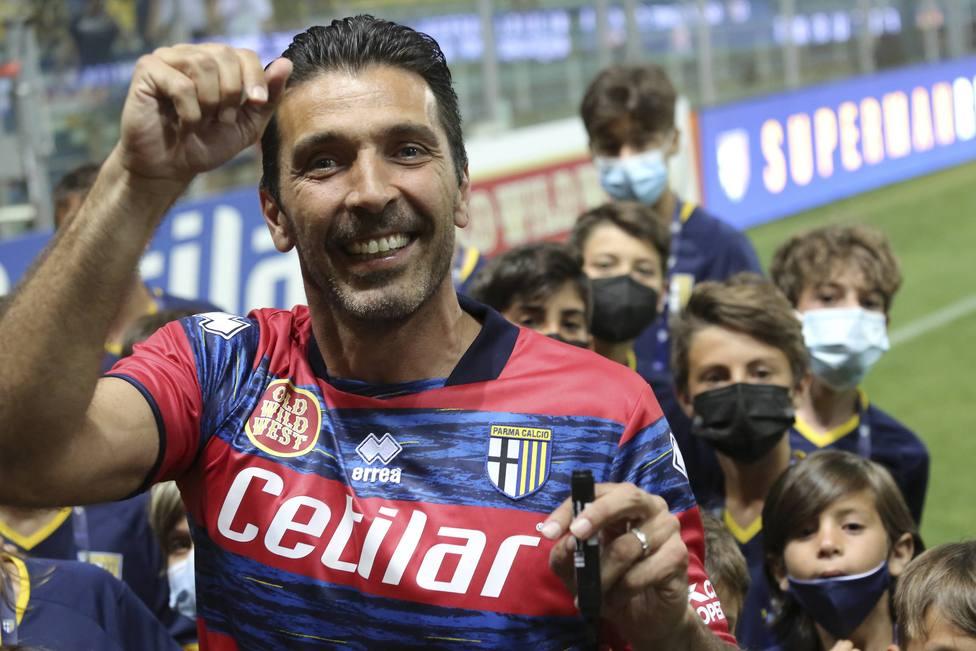 Gianluigi Buffon, en el día de su presentación con el Parma.
