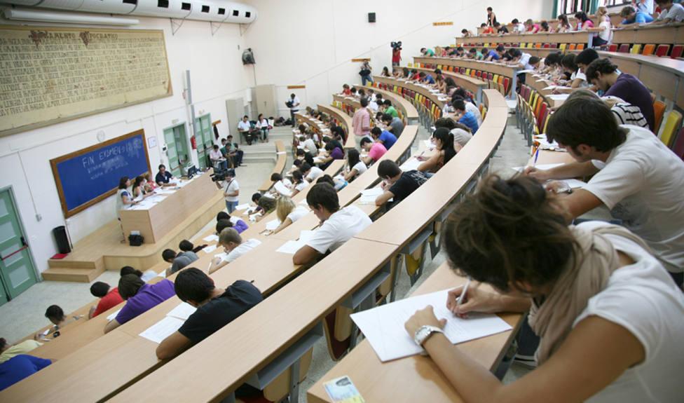 Se abre el plazo para solicitar las becas para el curso 2021-22: cómo, cuándo y quién puede solicitarlas