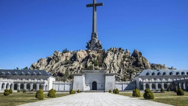 El PSOE quiere prohibir que Franco repose en lugares abiertos al público como La Almudena