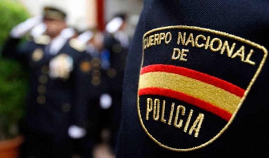 La Policía investiga la violación de una mujer hallada semidesnuda en una calle de Oviedo