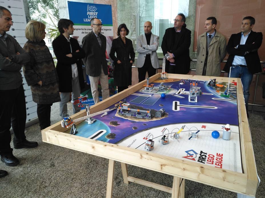 Foto de archivo de una de las presentaciones de la FIRST LEGO League en el Campus de Ferrol