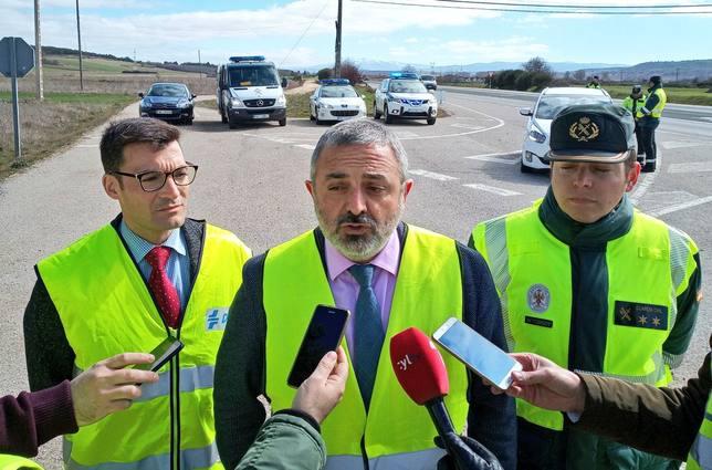 El Subdelegado del Gobierno en Burgos, Pedro de la Fuente, presentando la campaña