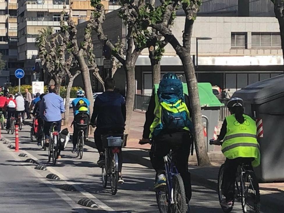 Paseo solidario por los carriles bici de Murcia