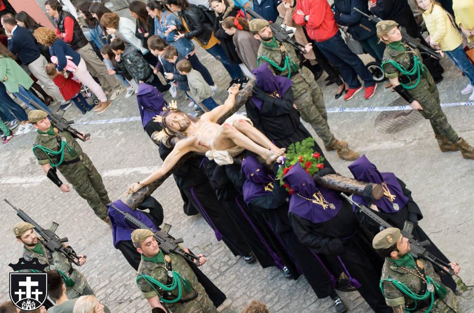 Crito de la Buena Muerte a su paso por la calle Real de Ferrol - FOTO: Junta de Cofradías