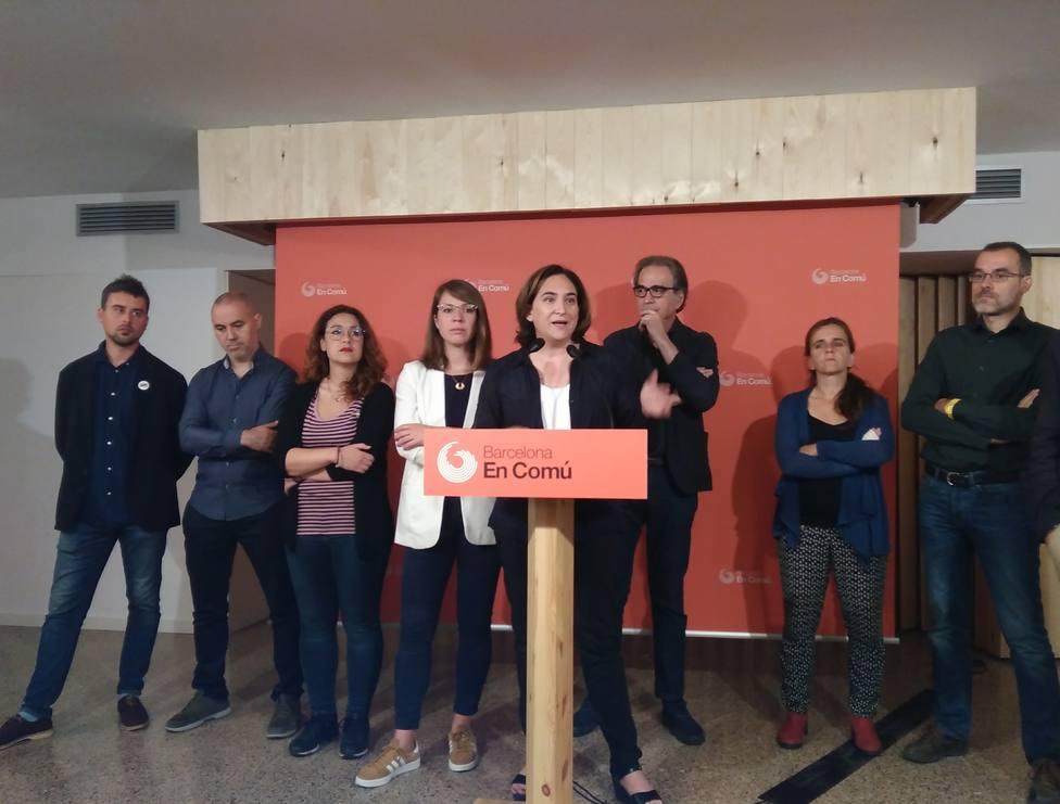 Colau defiende el acuerdo con el PSC con los votos regalados de Valls aunque no le gusten