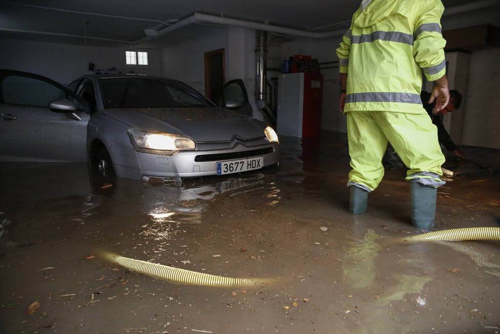 Protección Civil alerta por lluvias de hasta 90 l/m2 en una hora y tormentas fuertes en Barcelona y Gerona