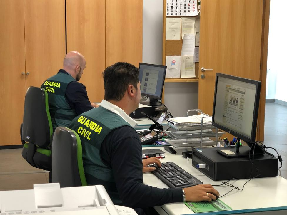Agentes de la Guardia Civil especializados en delitos telemáticos - FOTO: Guardia Civil