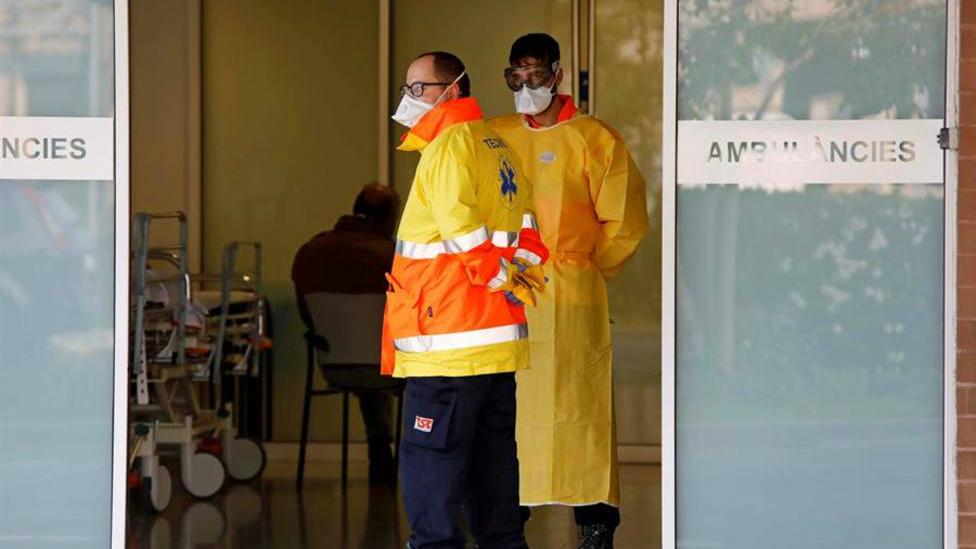 Sanidad confirma que un total de 12.298 sanitarios se han contagiado de COVID-19