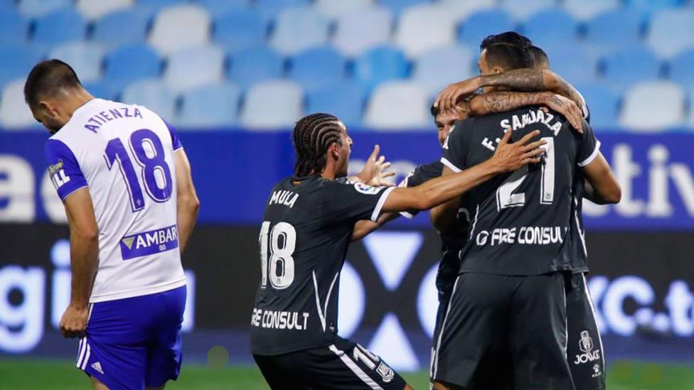 El Alcorcón celebra uno de los tres goles conseguidos en La Romareda (@LaLiga)