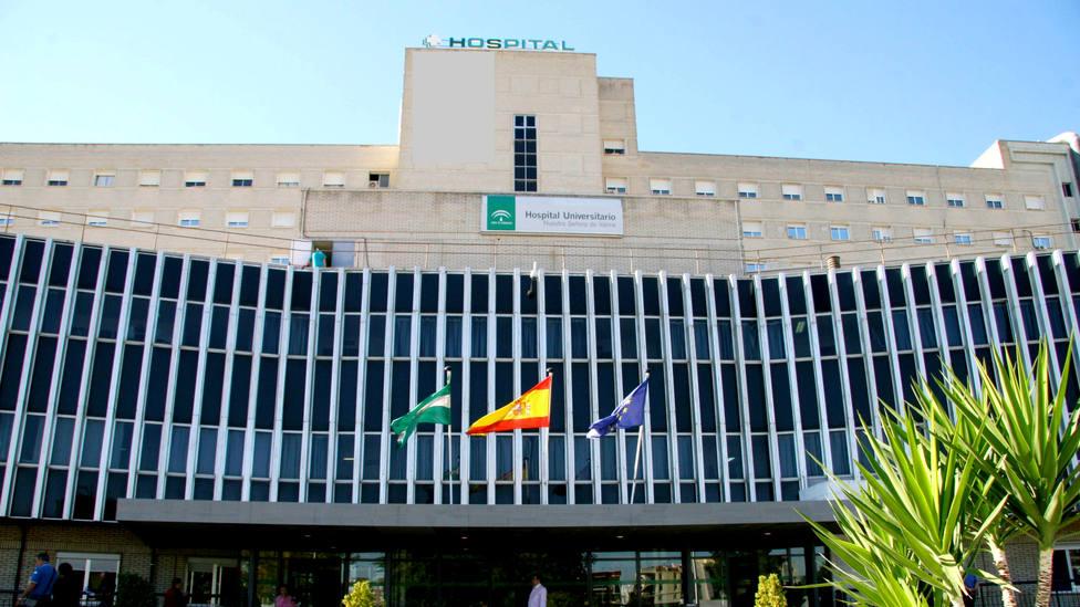 Fachada del Hospital de Valme en Dos Hermanas, Sevilla