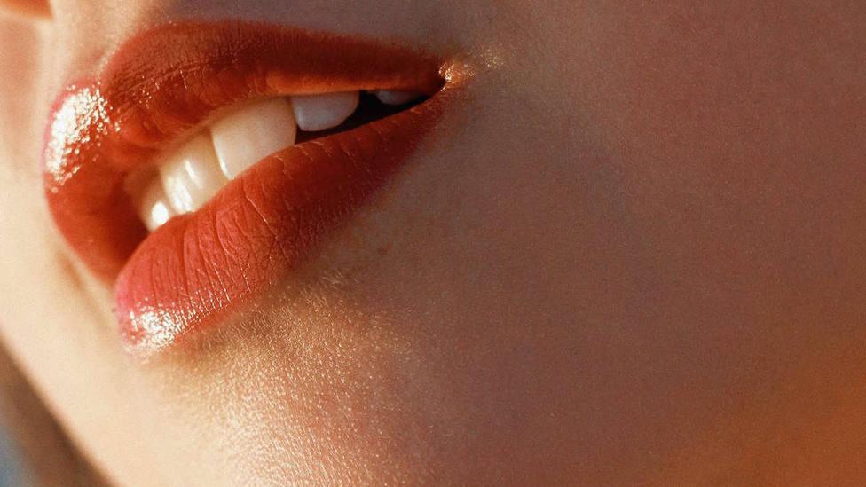 La peligrosa moda de engrosar los labios con biopolímeros