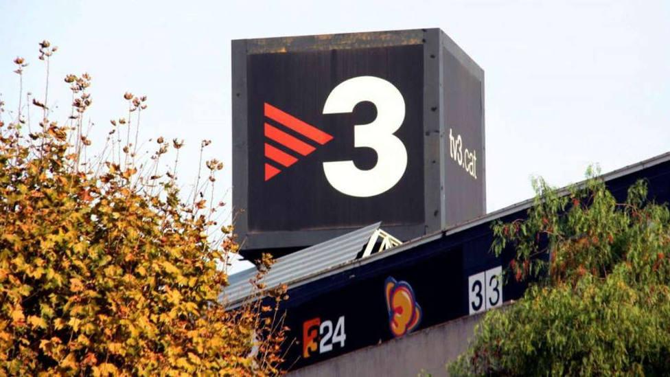 TV3 aprovechó el 12 de octubre para ofrecer información de la extrema derecha española