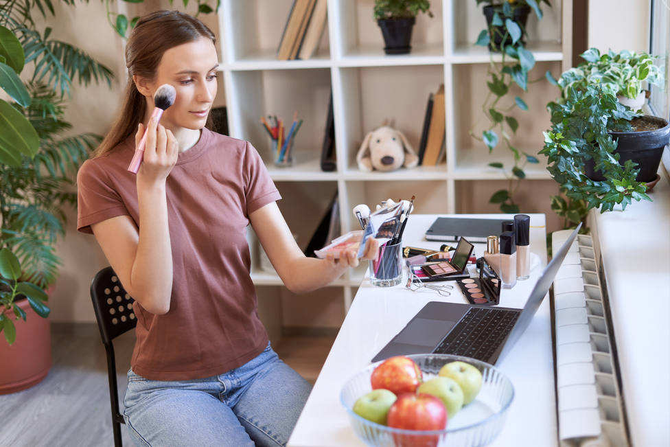 Probadores virtuales y cosmética más natural, la pandemía deja estos llamativos cambios en la belleza