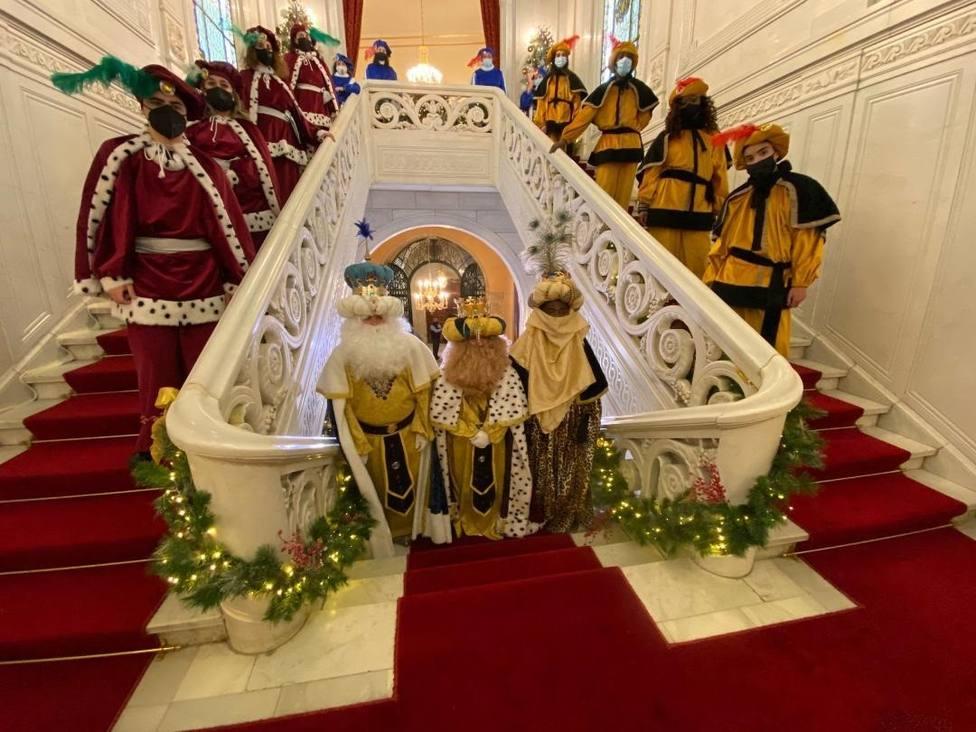 Los Reyes Magos llegan a Salamanca y saludan a los niños a través de televisión