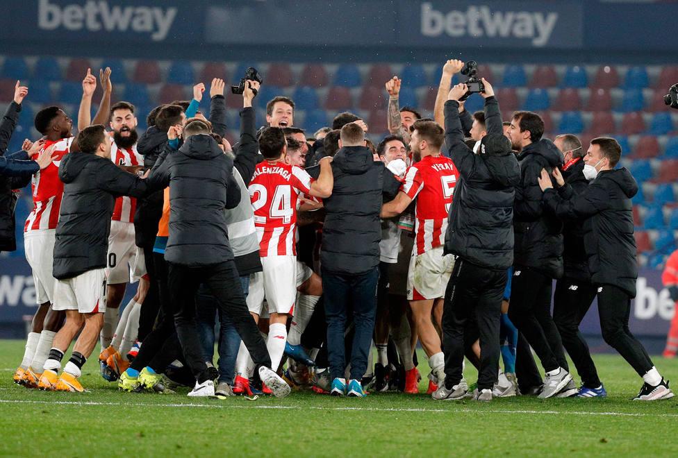 El Athletic celebra el pase a la final de Copa del Rey (EFE)