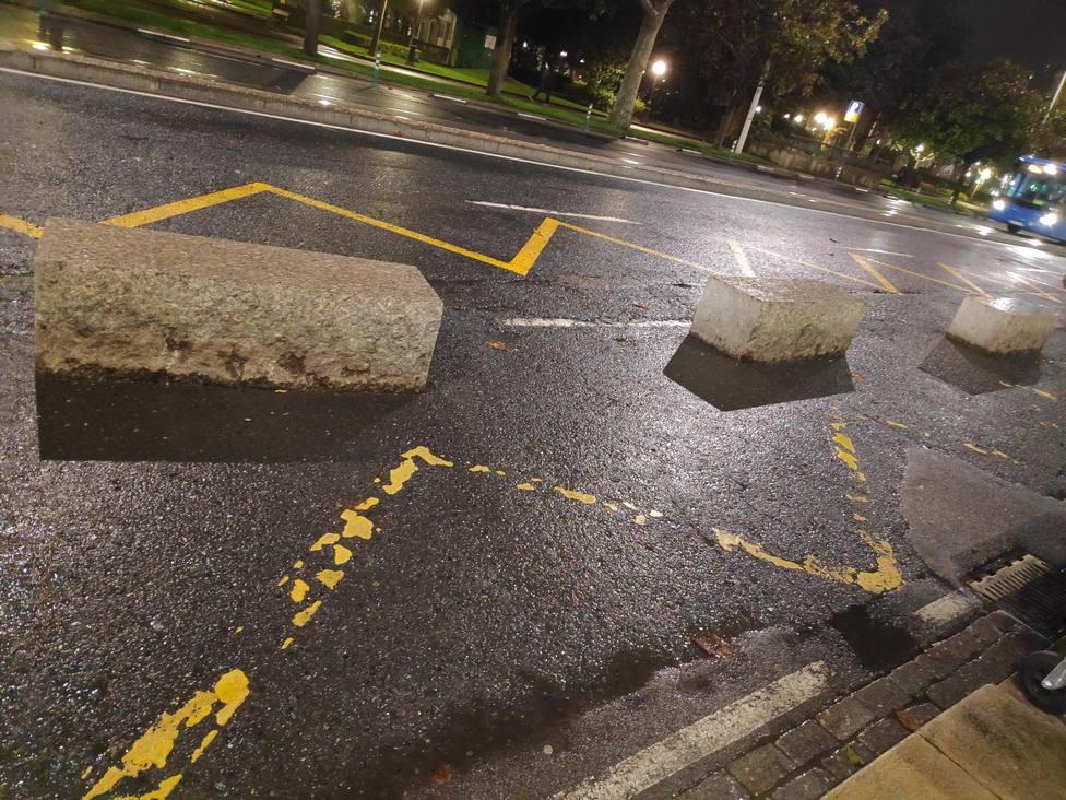 Bloques de piedra en Los Cantones