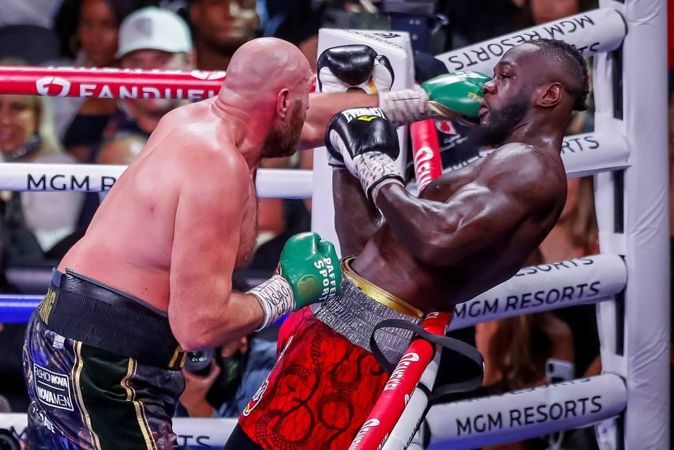 Tyson Fury vs Deontay Wilder boxing match