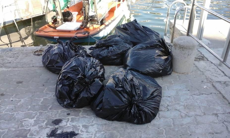 Recogidas 13,3 toneladas de residuos del litoral de las Illes Balears el mes de agosto