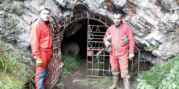 Cope de la Costa visita la cueva del Rei Zintolo