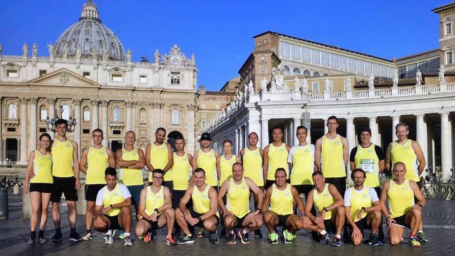 Desde guardias suizos y monjas, hasta bomberos, este es el equipo de Athletica Vaticana
