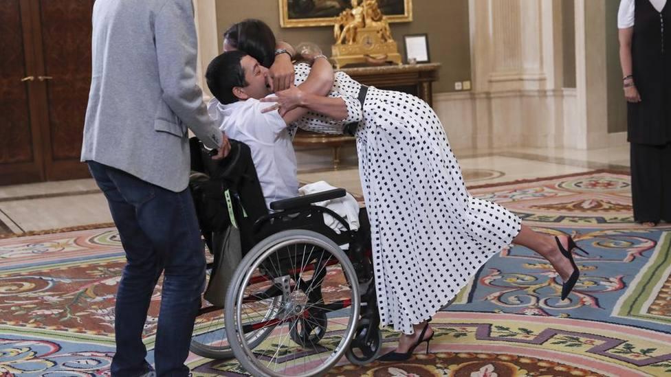 Gerardo y su esperado abrazo a la Reina Letizia