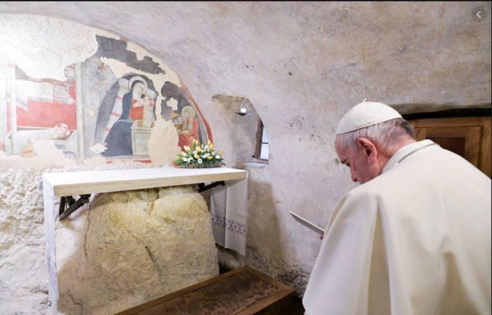 El Papa Francisco, en su vista a Greccio, pide que no disminuya jamás la tradición del pesebre
