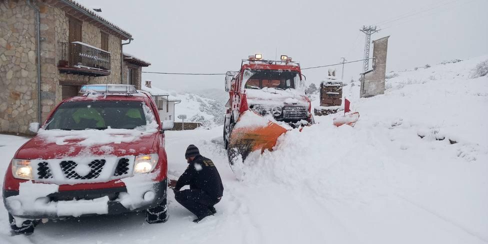 Emergencias recibe 230 llamadas relacionadas con el temporal y gestiona 145 incidentes en la Comunidad Valenciana
