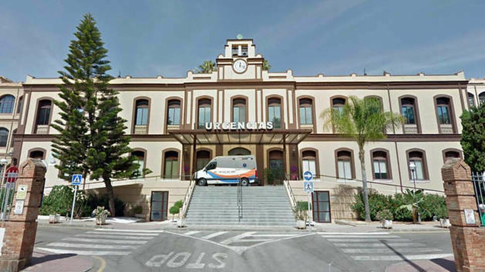 Fachada de entrada del Hospital Civil de Málaga.
