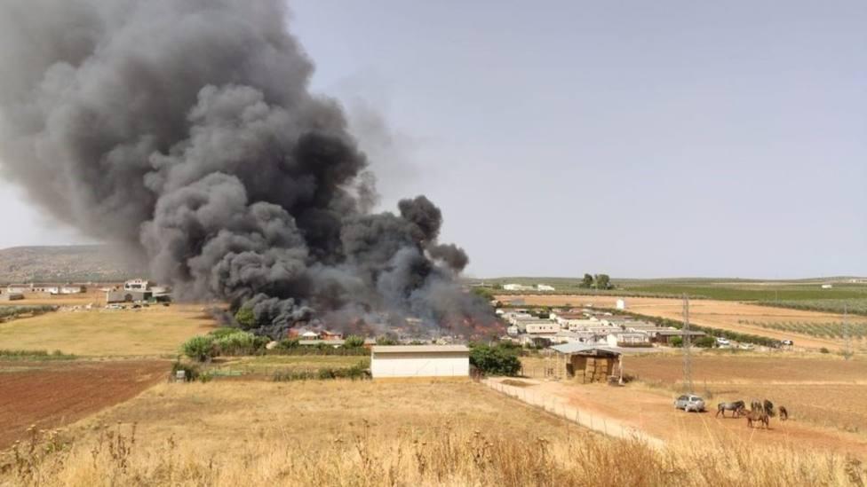 Dos heridos en un incendio en un cámping de Mollina (Málaga)