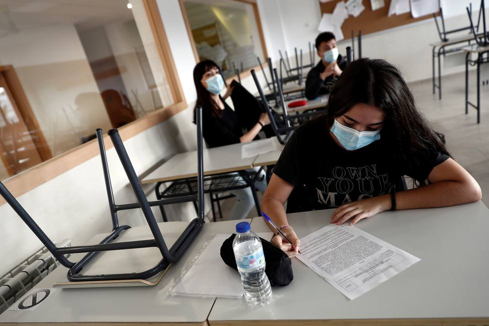 El nuevo curso escolar inquieta en España por el aumento de nuevos contagios