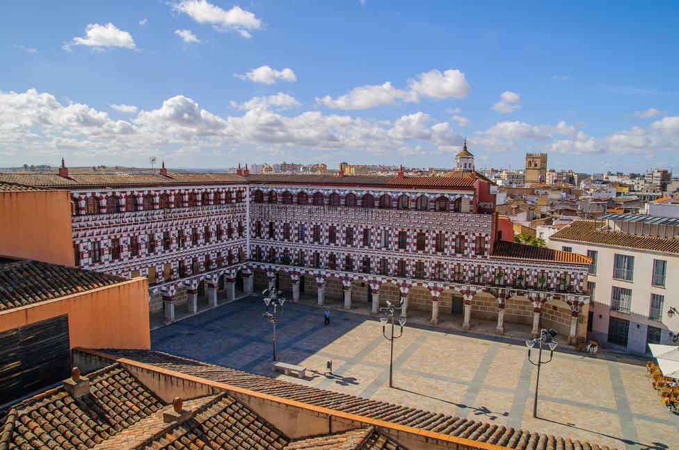 Badajoz inicia este lunes sus restricciones de aforo y reunión al superar los 400 casos activos