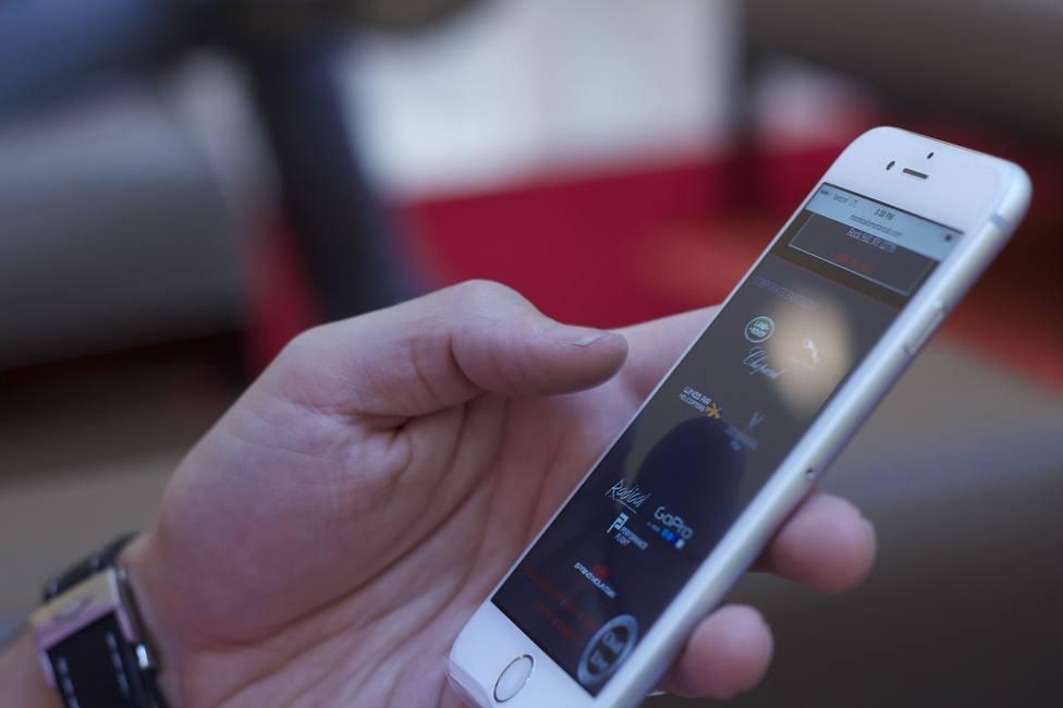 Un nuevo estudio revela que el coronavirus puede permanecer hasta 28 días en las pantallas de los móviles