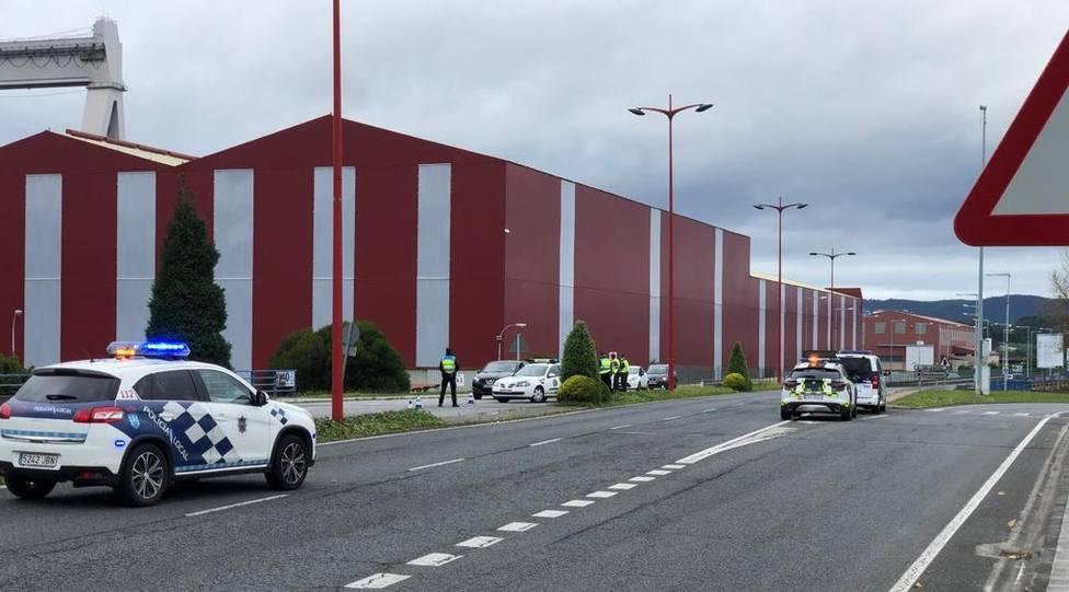 Control entre la Policía Local de Ferrol, Fene y Guardia Civil de Tráfico en Fene - FOTO: Concello de Ferrol