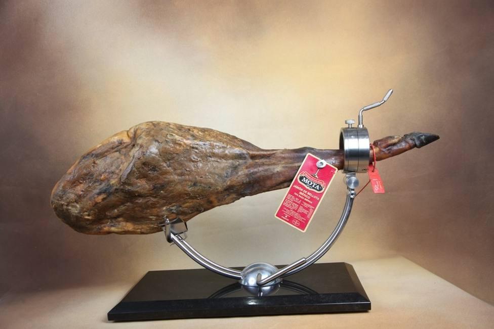 Embutidos Mota, de Cabeza la Vaca, premio Espiga de Oro al mejor jamón ibérico de bellota