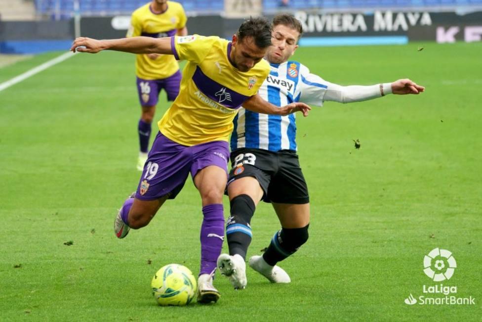 Joao Carvalho (UDA) y Adri Embarba (Espanyol)