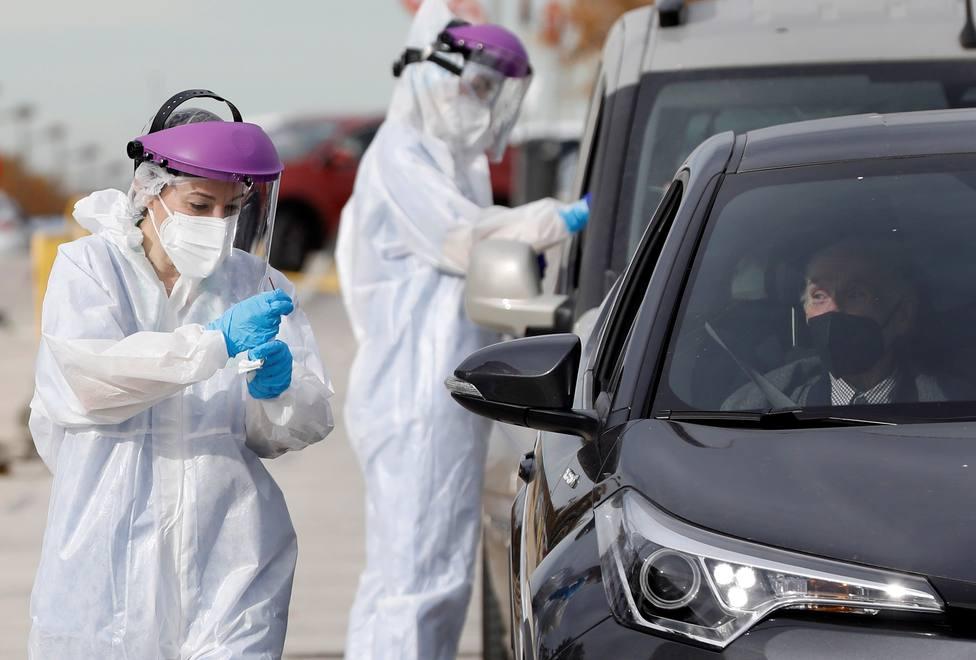 La Comunidad de Madrid notifica 61 fallecidos desde ayer pero se reducen ligeramente los contagios