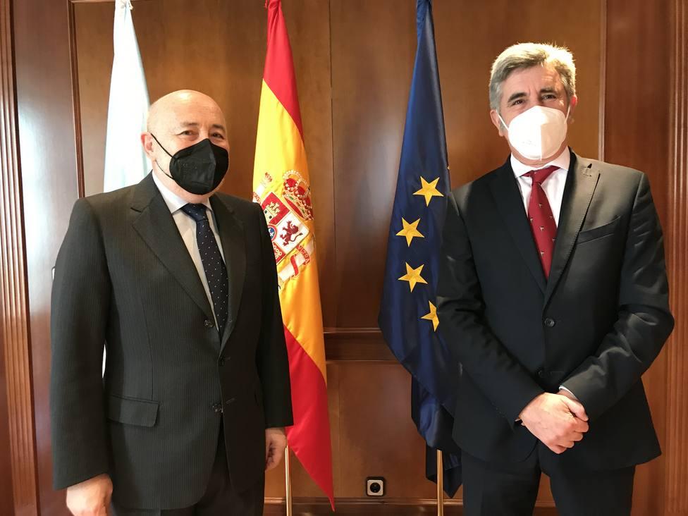 Javier Losada e Indalecio Seijo. FOTO: Delegación del Gobierno