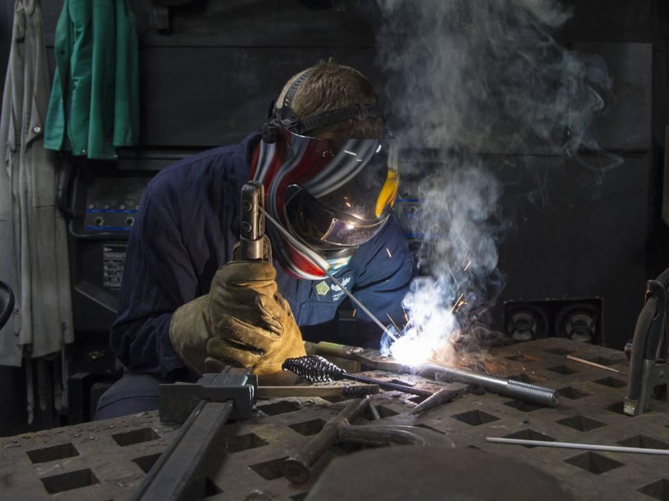 La de soldador es una de las profesiones más demandadas