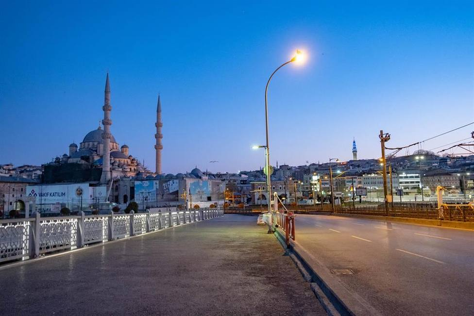 Turquía comienza a flexibilizar las restricciones en regiones con pocos casos
