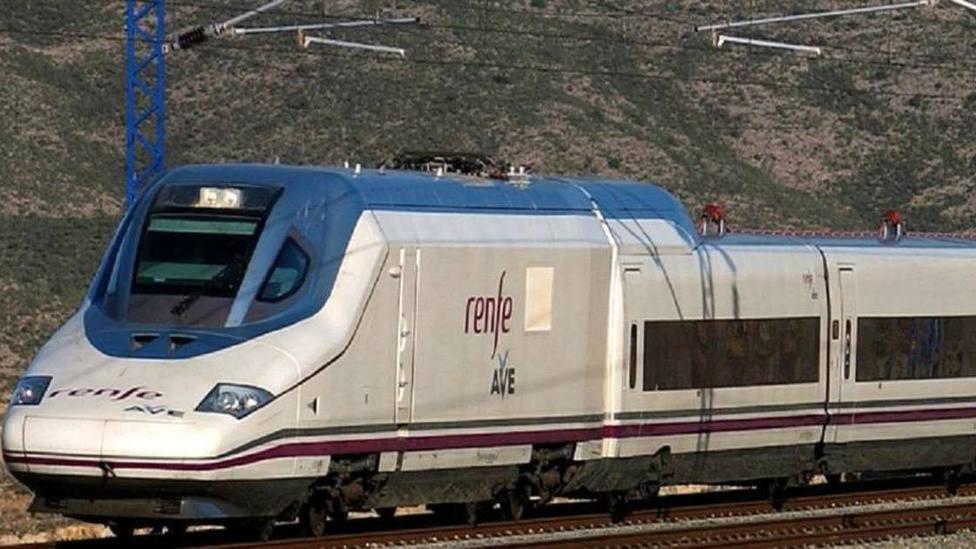 Más de 3.500 viajeros en el AVE de Madrid a Elche y Orihuela en el primer mes