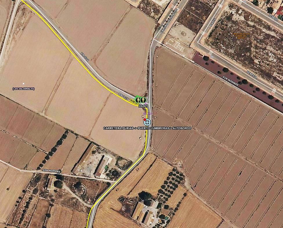 Un hombre resulta herido al salirse de la vía su turismo y dar varias vueltas de campana en Lorca