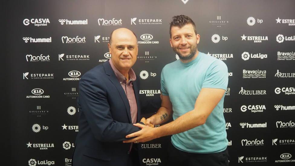 Ángel Dealbert ha acompañado a Fernando Gómez Colomer en la presentación como director deportivo del Castellón