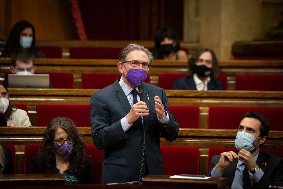 El conseller de Economía de la Generalitat, Jaume Giró, durante una sesión plenaria en el Parlament