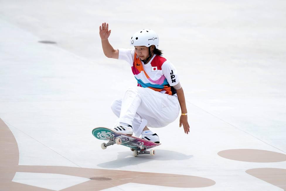 Momiji Nishiya, con 13 años, primera campeona olímpica de skate