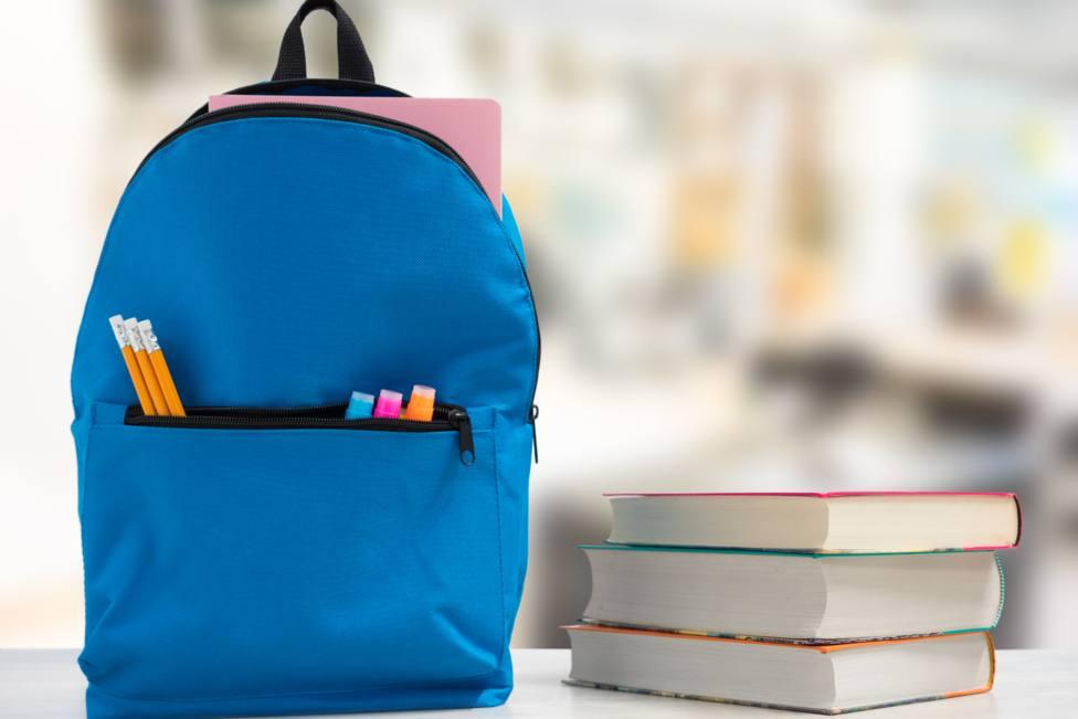 La Fundación Amigos de Galicia entregará 974 mochilas entre menores de la comunidad