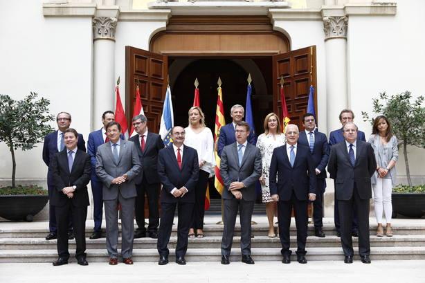 foto de familia de los seis presidentes autonómicos