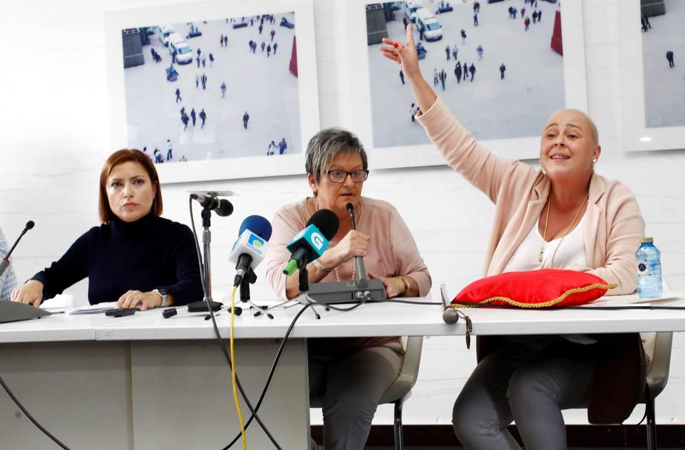 Mariela Aguilar, en el centro, el día en el que decidió suspender el pleno de Fene - FOTO: Efe / Kiko Delgado