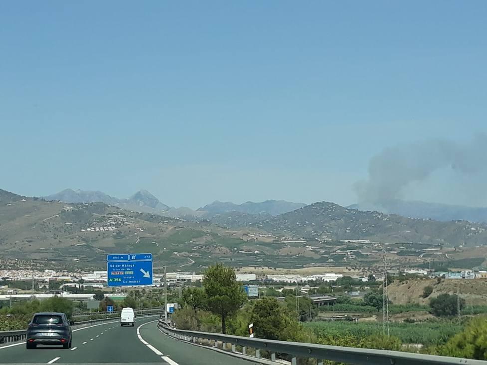 Declarado un incendio forestal en Torrox (Málaga)